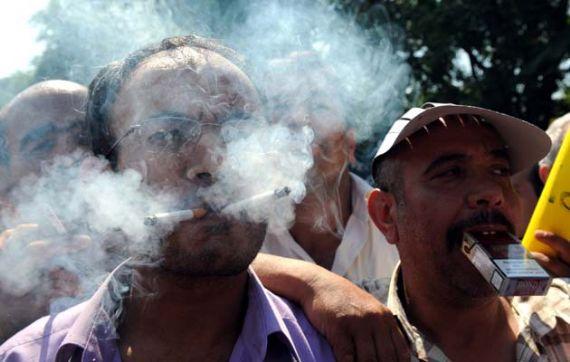 Buda Enteresan Sigara Eylemi