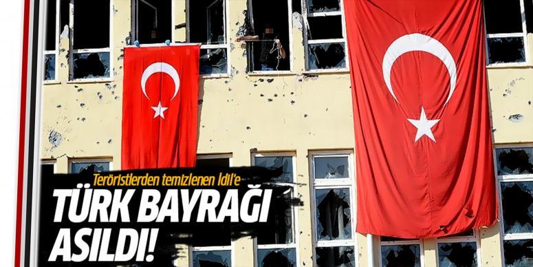 İdil'e Türk Bayrakları asıldı