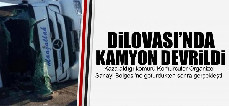 DİLOVASI'NDA KAMYON DEVRİLDİ