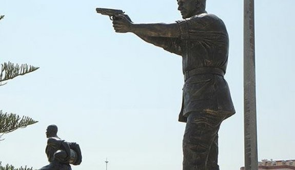 Ömer Halisdemir'in heykeli açıldı