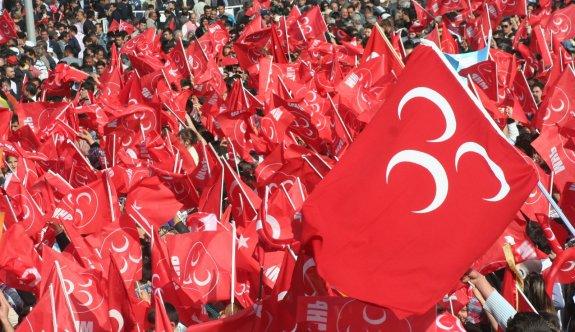 3 kişilik çağrı heyeti MHP'den ihraç edildi