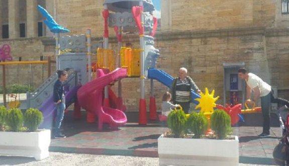 Anıtkabir'de yapılan oyun parkı vatandaşlar tarafından söküldü