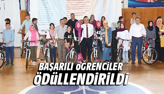 Darıca'da Başarılı Öğrenciler Ödüllendirildi