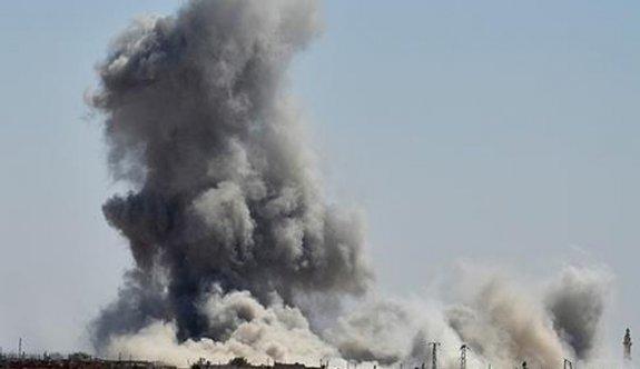 Esed rejimi sivil konvoyu bombaladı