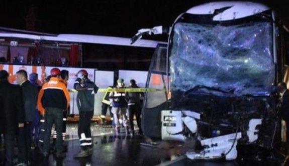 İki yolcu otobüsü çarpıştı