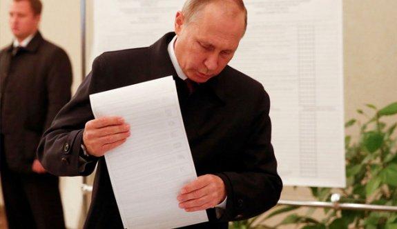 Rusya'da seçimi Putin kazandı