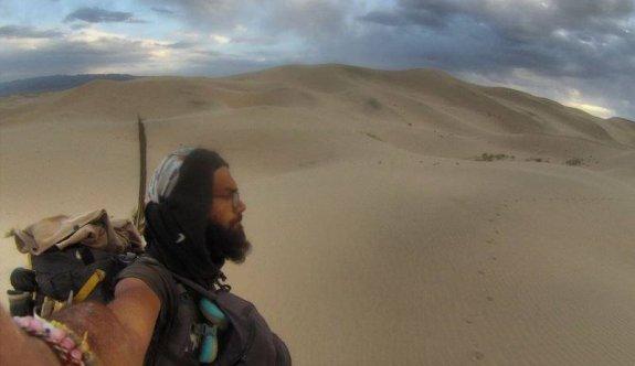 Türk genci Gobi Çölü'nü 3 günde yürüyerek geçti