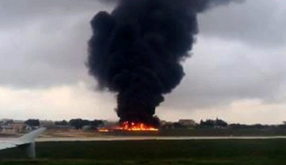AB yetkililerini taşıyan uçak düştü