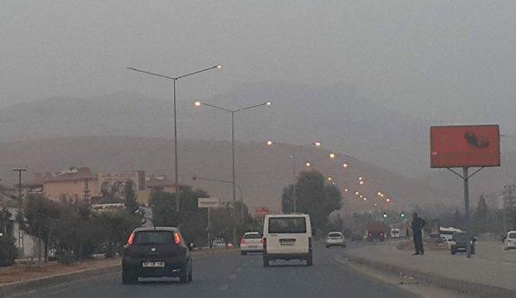 Asit yağmurundan korkulan Mardin'de toz fırtınası