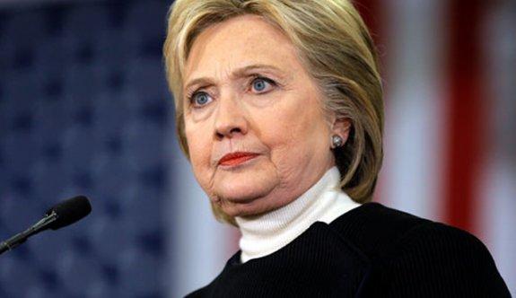FBI Clinton'un e-posta soruşturmasını tekrar açacak