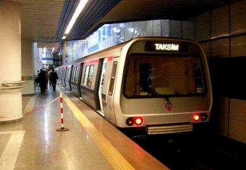 İstanbul metrosunda nikah dönemi