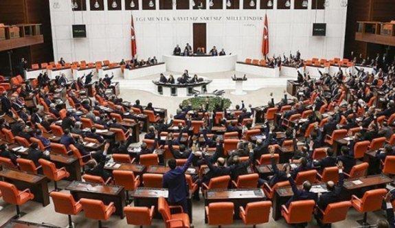 Meclis'in darbe mesaisi yoğun geçiyor