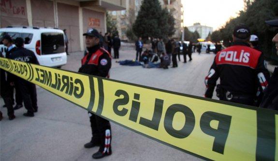 Adana'da teröristler polise saldırdı!