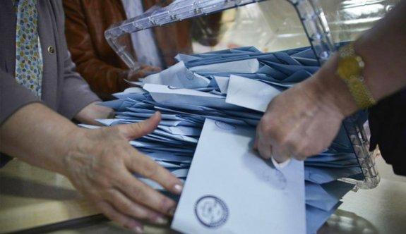 AK Parti'den teşkilata referandum çağrısı