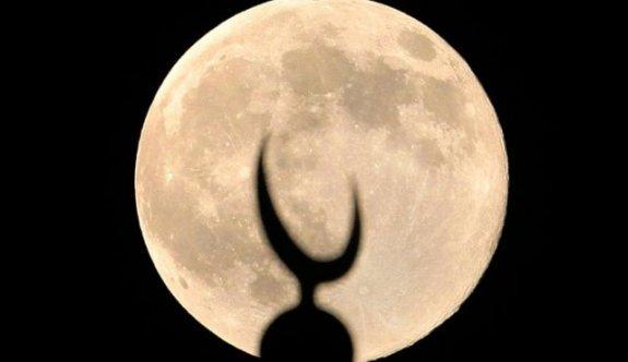 Bu gece gökyüzüne iyi bakın! Süper Ay'a saatler kaldı