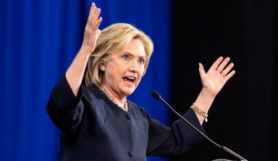 Clinton'ın kampanya şefi: Bu iş daha bitmedi