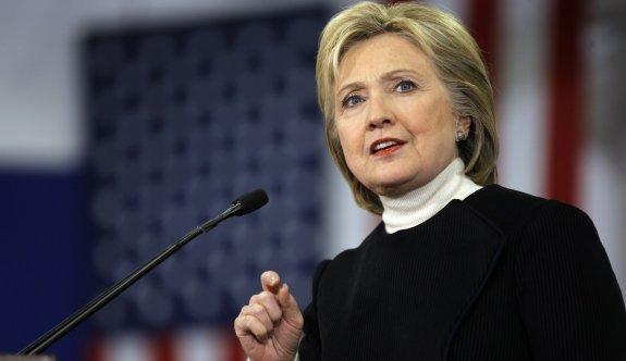 Clinton seçim gecesinde mobilyalara vurup çığlıklar atmış