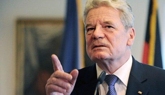 HDP aşığı Alman Cumhurbaşkanı Gauck'tan Türkiye'ye tehdit!