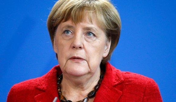 Merkel'den itiraf: Türkiye'siz B planımız yok