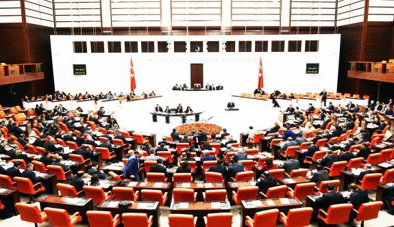 AK Parti anayasa teklifini MHP'ye sundu