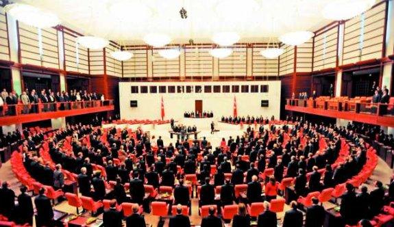 CHP, anayasa konusunda 'komisyon' taktiği uyguluyor