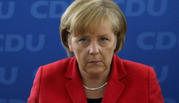 Merkel'den garip 'terör' kararı: Sınırdışı edilecekler