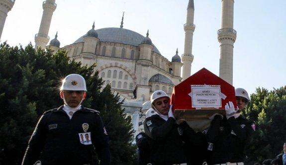 Türkiye şehitlerini uğurluyor! Gözyaşları sel oldu...