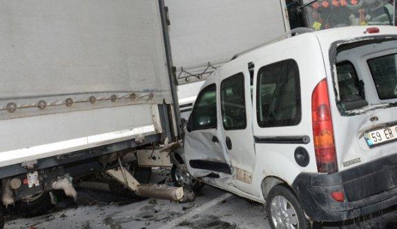 Zincirleme kaza... 36 araç birbirine girdi