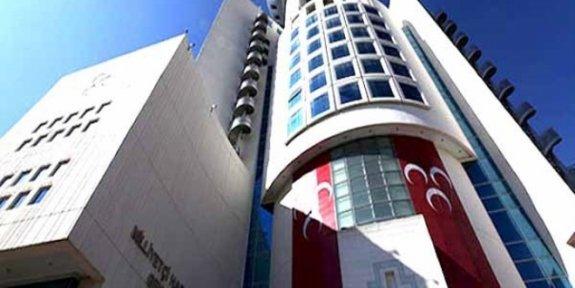 'Ak Parti, 19 MHP'li vekil için devrede'