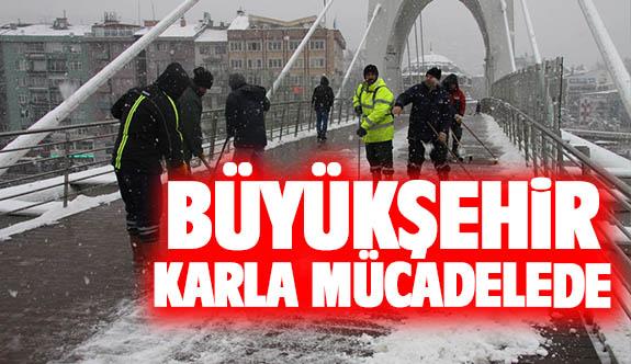 Büyükşehir karla mücadelede