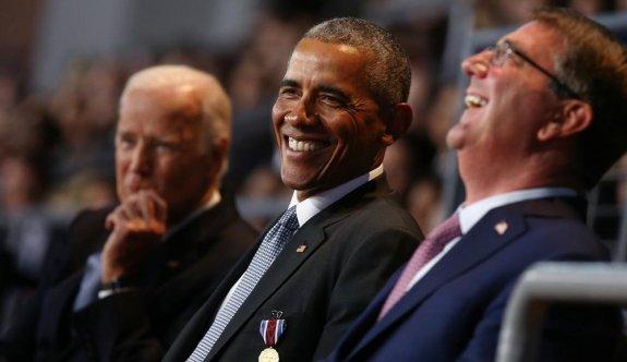Obama'nın veda konuşmasında asker bayıldı, kimse tepki vermedi