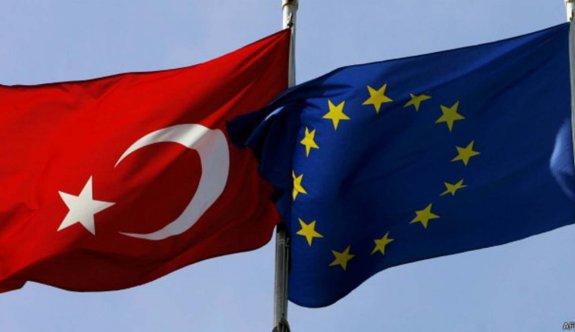 'AB, Türkiye'yi üye olarak almayacak'