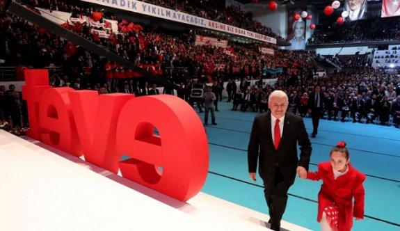 AK Parti'nin referandum şarkısı: Evet ile güçlü Türkiye