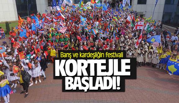 Barış ve kardeşliğin festivali kortejle başladı