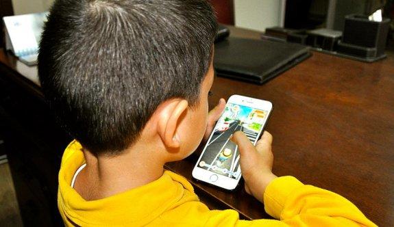 Akıllı telefon kullanım yaşı 9'a indi