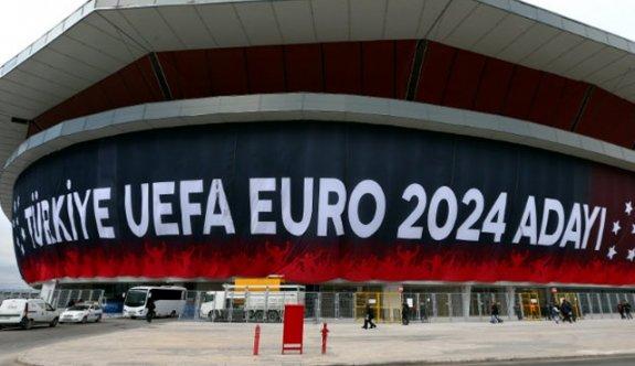 UEFA'dan Türkiye'ye EURO 2024 oyunu!