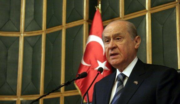 Bahçeli: Barzani çetesi referandum yapacakmış...