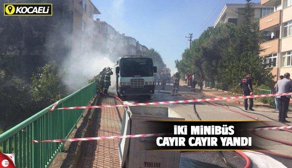 İki minibüs cayır cayır yandı