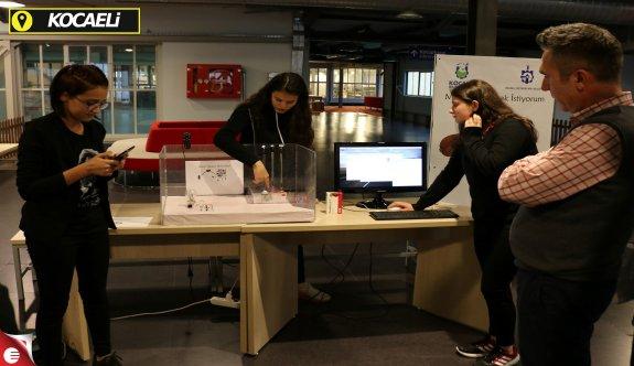 """Bilişim Fuarı Yenilikçi Tasarımcıları """"CERN"""" için Yarışıyor"""