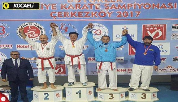 Kağıtsporlu karatecilerden 4 derece