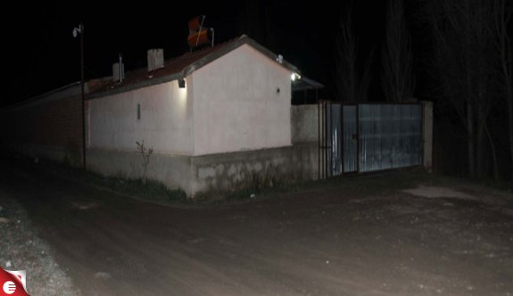 Çiftlik evinde alacak kavgası: 3 ölü