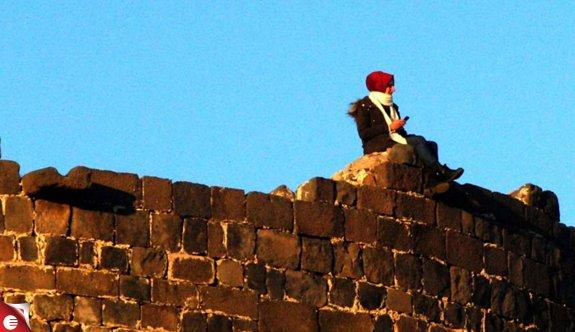 Diyarbakır Surları'nda tehlikeli hareketler