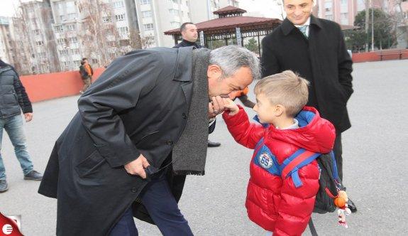 Kaymakam Güler ve Başkan Köşker ÖZEL ÇOCUKLARIN YANINDAYDI