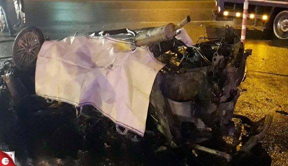 Takla atıp alev alan otomobilin sürücüsü, öldü