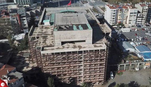 AKM binasında yıkım çalışmaları başladı