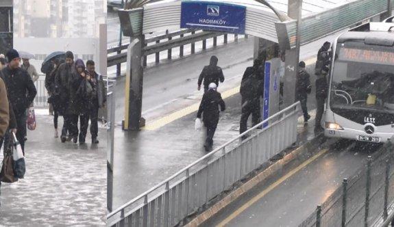 İstanbul'a beklenen kar geldi