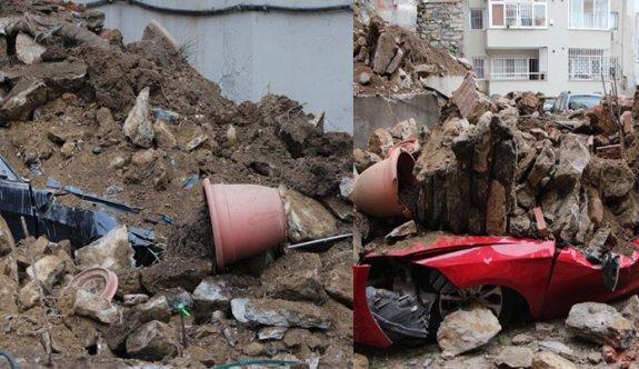 Beşiktaş'ta istinat duvarı çöktü; 2 katlı bina boşaltıldı