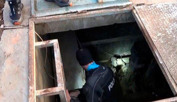 Dalgıç polisler, nevruz alanının altında böyle patlayıcı araması yapmış
