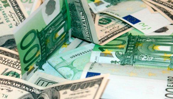 Dolar 3.93 lirayı aştı, euro 4.82 lira düzeyinde