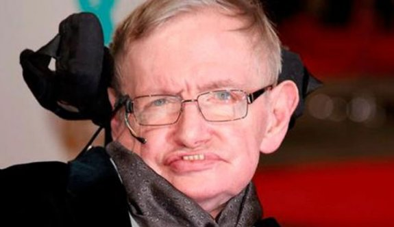 Dünyaca ünlü fizikçi Stephen Hawking öldü